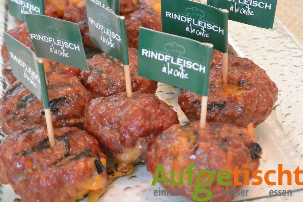 Geräucherte Chili Cheese Beef Balls - Rindfleisch Fingerfood mit Jalapeño-Käse-Füllung - chili cheese beef balls 2 - 8