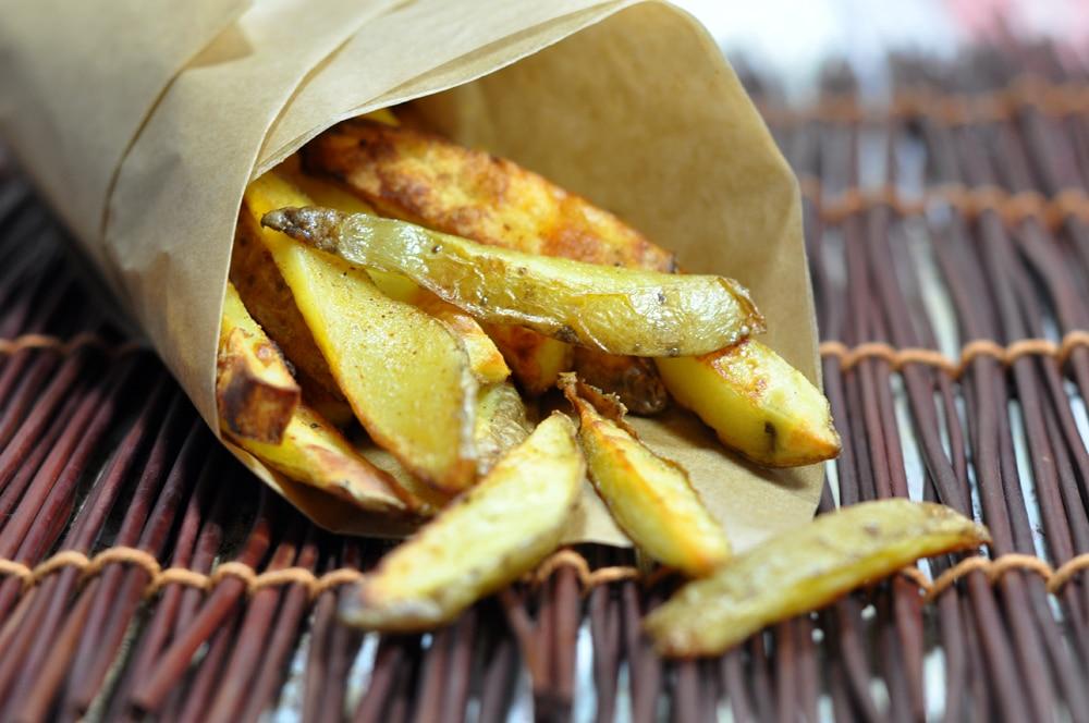 Selbstgemachte BBQ Kartoffelsticks - die Burger Beilage - potatosticks2 - 7