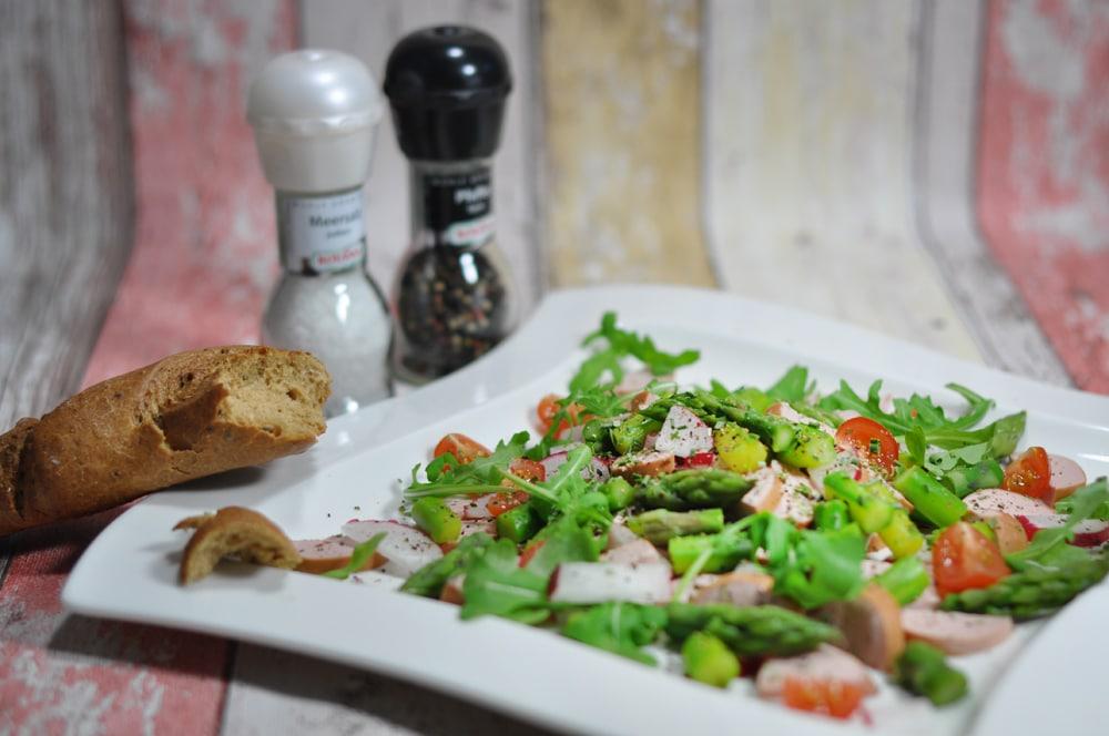 Sommerlicher Wurstsalat mit Spargel - spargelsalat - 7