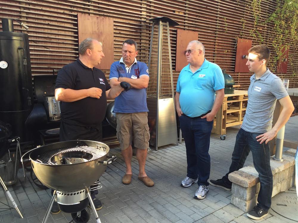 Weber Grill Akademie: Smoken, Räuchern, Grillen mit Adi Bittermann - weber grillakademie smoken raeuchern 07 - 17