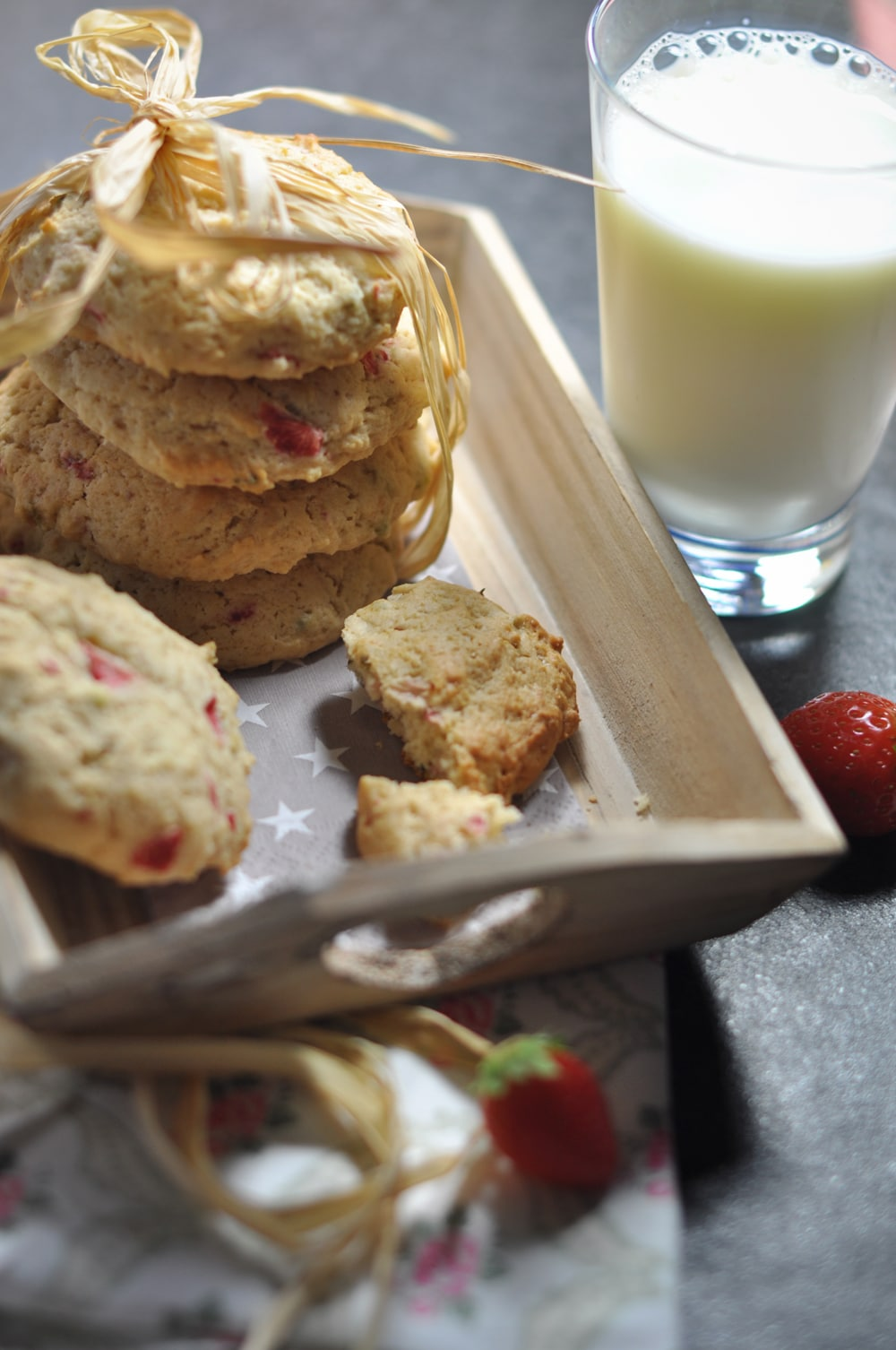 Strawberry-Pistachio-Cookies - strawberry cookies3 - 12