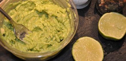 Pochiertes Ei im Avocado Bett - avocadocreme - 6