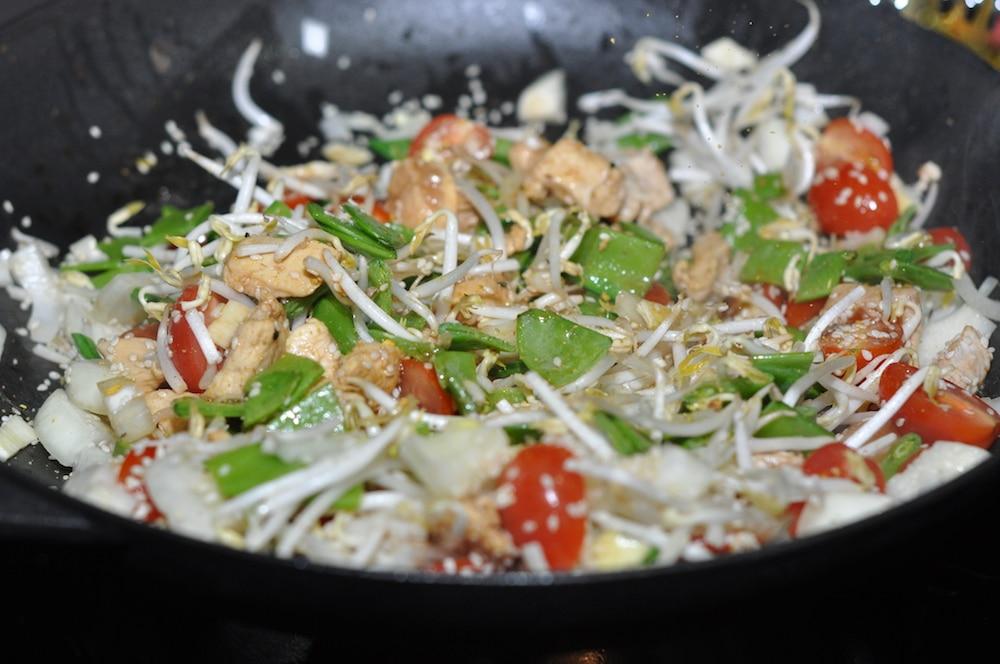 Wok Für Gasgrill : Asiatischer gemüse wok vom grill aufgetischt.net