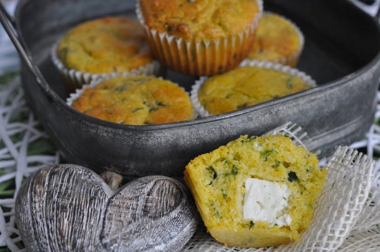 Polenta Bärlauch Muffins mit Feta Kern - polenta bärlauch muffins2 - 10
