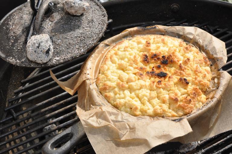 Apfelkuchen aus dem Dutch Oven - apfelkuchen dutch oven9 - 16
