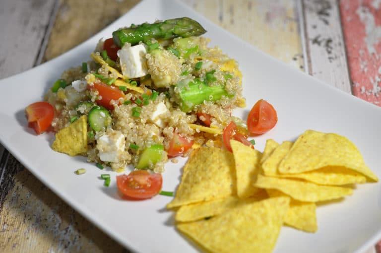 Spargel Quinoa Salat mit Nachos - quinoa salat spargel nachos - 8