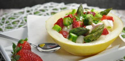 Sommersalat mit Spargel, Erdbeeren und Feta - sommersalat - 2