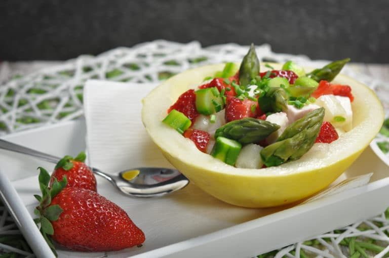 Sommersalat mit Spargel, Erdbeeren und Feta - sommersalat - 4