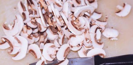 Champignons geschnitten