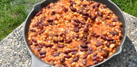 baked beans im Dutch oven