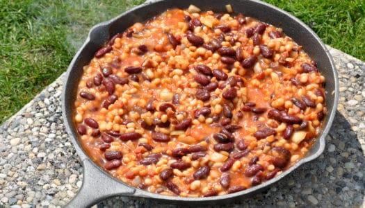Baked Beans aus dem Dutch Oven