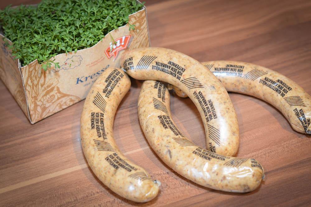 Vegetarische Käsebratwurst mit Pitabrot und Bitterschokolade-Minz-Dip - käsebratwurst - 4