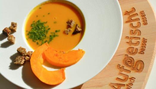 "Kürbis Karotten Kokos Suppe – unsere ""3K"" Lieblingssuppe"
