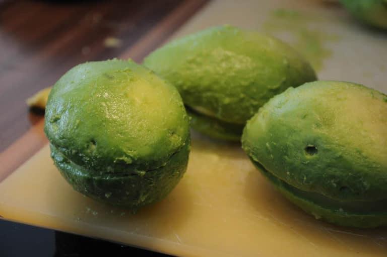 Avocado Ei im Speckmantel vom Smoker - avocado ei im speckmantel 5 - 24
