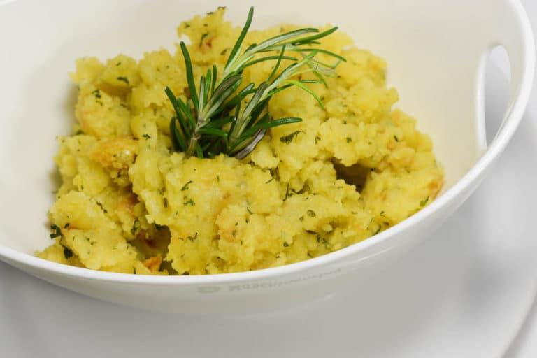 Geräucherte Lammlachse in Kräuterkruste - kartoffelsterz - 17