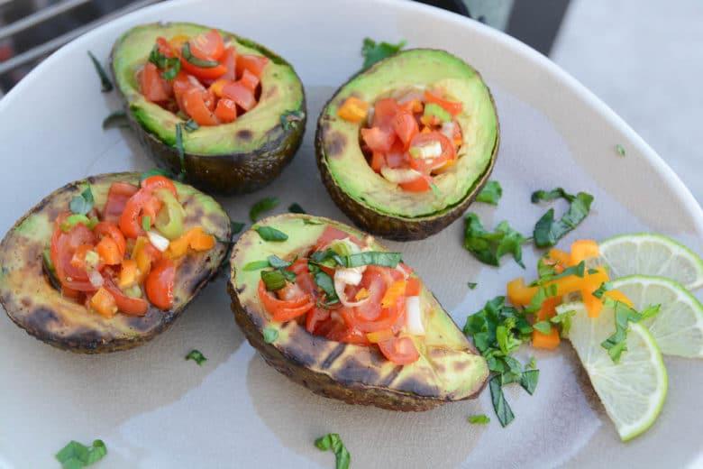 Feurige Tomaten Paprika Salsa - gegrillte avocado - 2