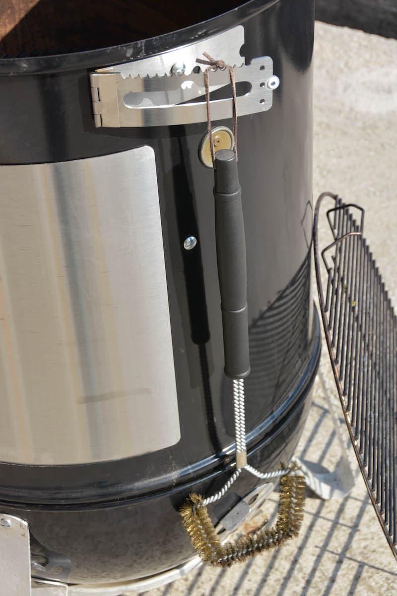 Weber Smokey Mountain Tuning - 12 Tipps wie du deinen Wassersmoker noch besser machst - wsm unkownbbq the hanger 02 - 8