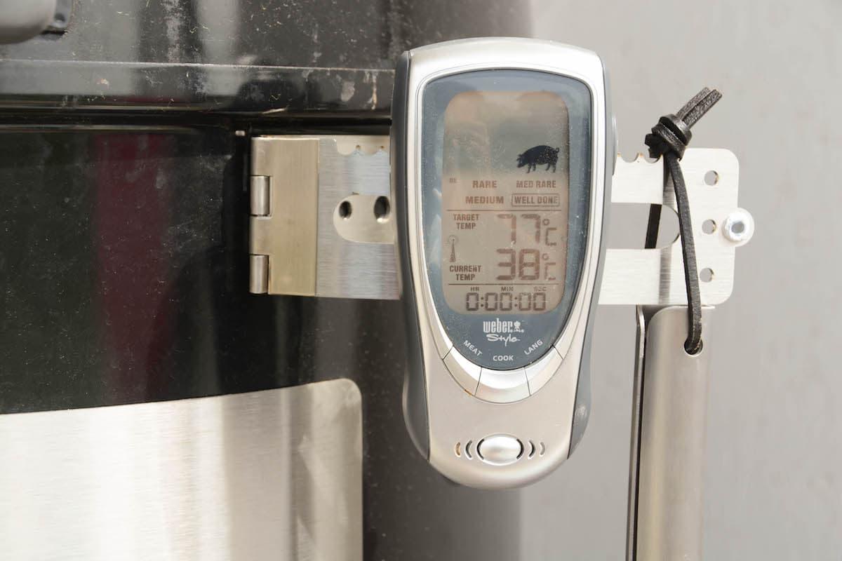 Weber Smokey Mountain Tuning - 12 Tipps wie du deinen Wassersmoker noch besser machst - wsm unkownbbq the hanger 03 - 10