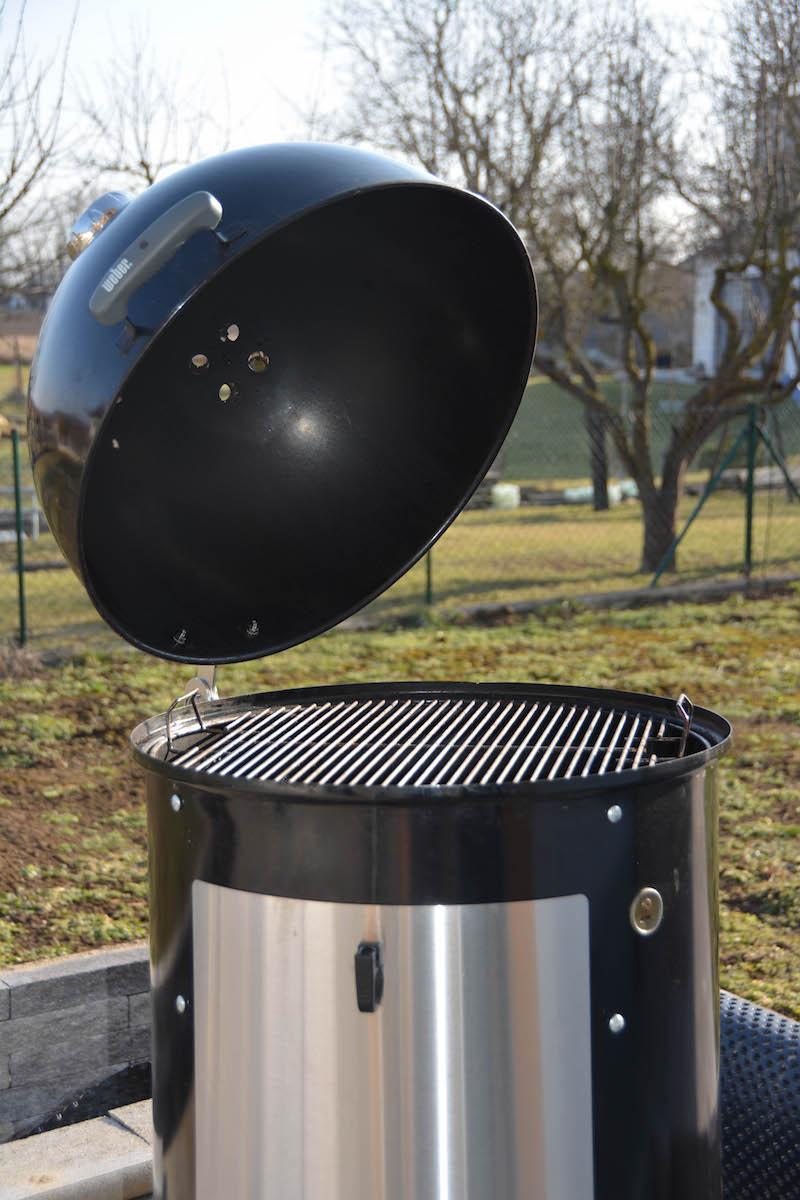 Weber Smokey Mountain Tuning - 12 Tipps wie du deinen Wassersmoker noch besser machst - wsm unkownbbq the hinge 05.jpg - 20