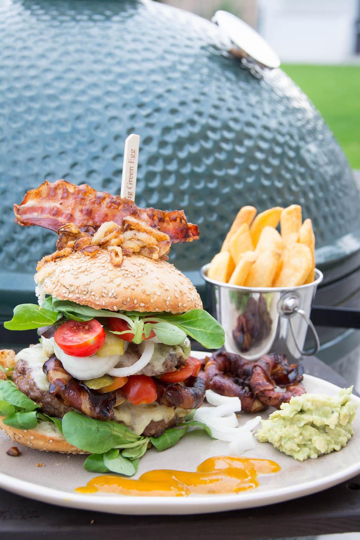 Jumbo Cheeseburger vom Grill