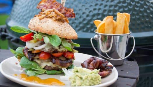 Jumbo Cheeseburger mit perfekten Burger Buns