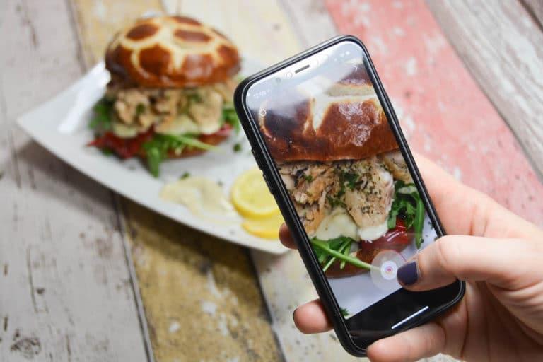 Pulled Lachs Burger für Instagram Story posten