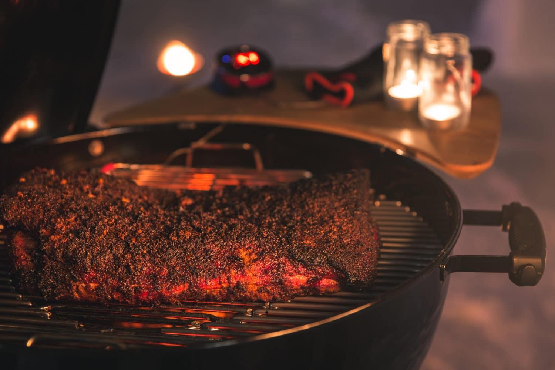 Weber Holzkohlegrill Anzünden : Holzkohlegrill anzünden mit den weber grillanzündern