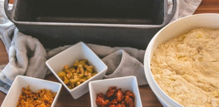 Zubereitung Kartoffelbrot im Dutch Oven