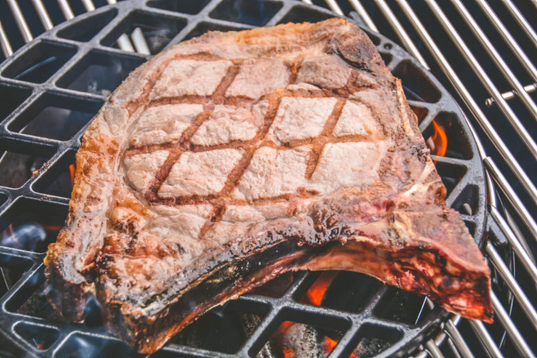 Dry-Aged Cowboy Steak vom Blonde d'Aquitaine mit Rosmarinkartoffeln - cowboysteak - 7