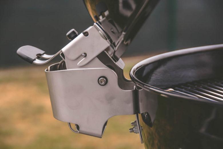 Weber Master-Touch Premium Deckelscharanier