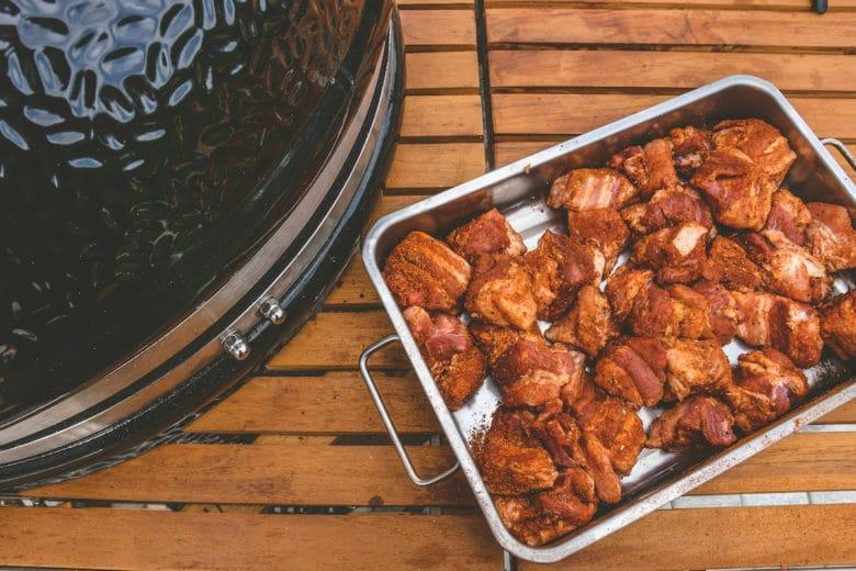 Pork Belly Burnt Ends zubereitet im Monolith Le Chef