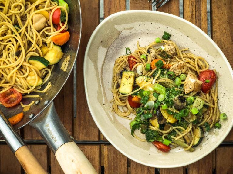 Wok vom Grill - lecker, leicht & abwechslungsreich unsere Asiapfanne - wok am keramikgrill 038 Kopie e1565615605302 - 12