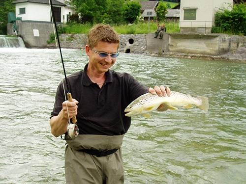 Mondsee Ache Forellen fischen