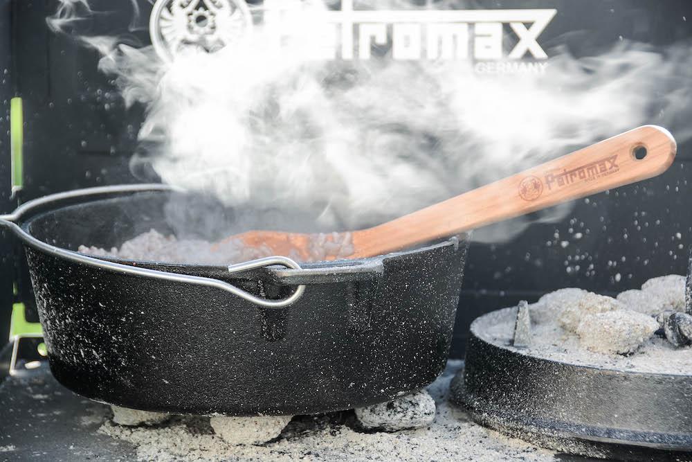 Einer unserer Dutch Oven im Einsatz - Zubereitung eines Risottos