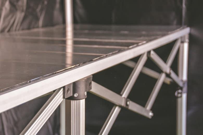 Aluminium Klapptisch passgenau für eine 3m-Seite des Faltzeltes