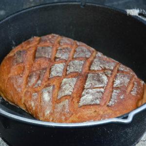 Joghurtbrot aus dem Dutch Oven