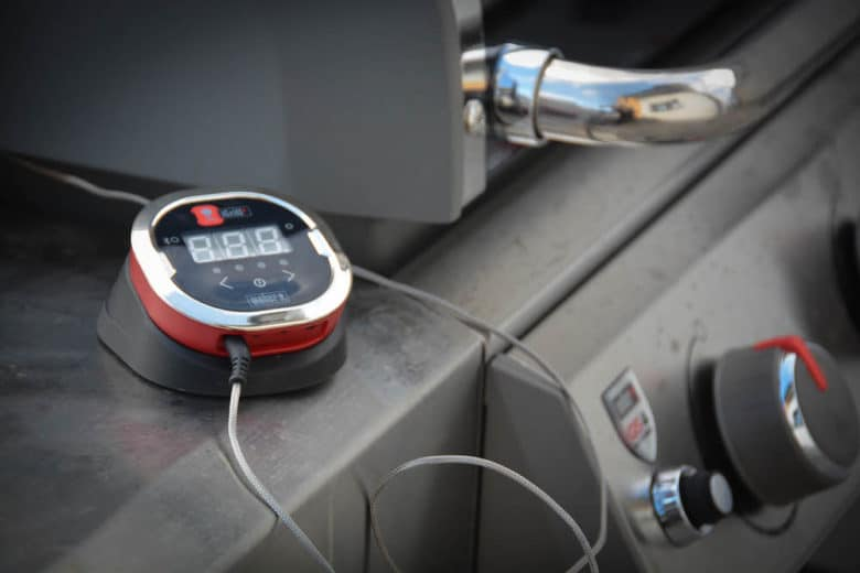 Igrill Grillthermometer im Einsatz am Weber Genesis