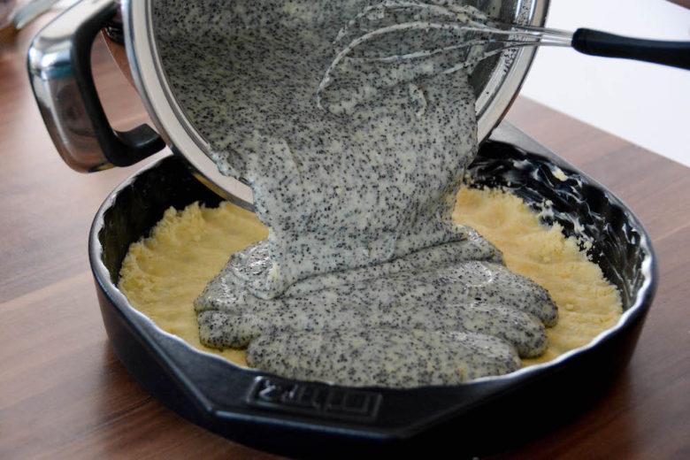 Die Füllung für den Mohn Pudding Crumble