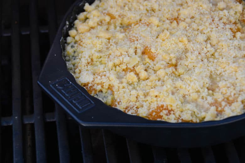 Mohn Pudding Crumble am Grill backen