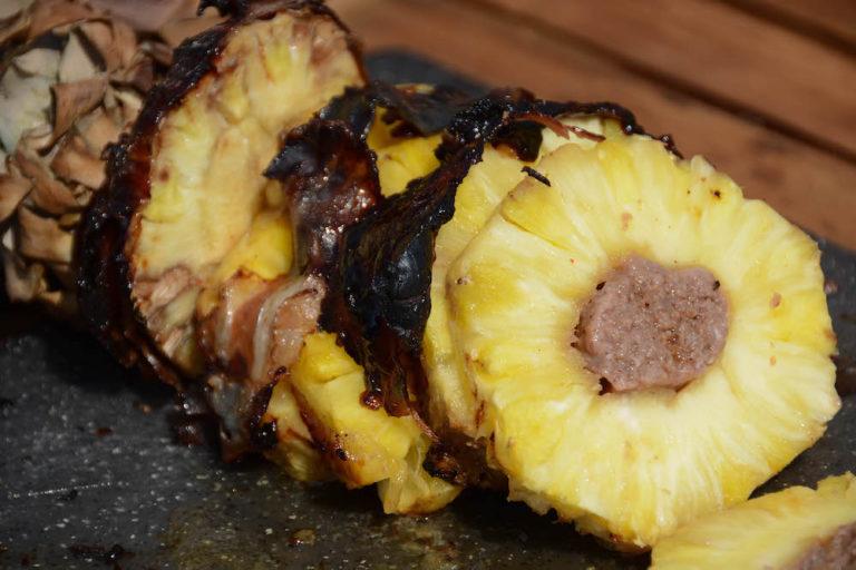 BBQ Bacon Ananas aufgeschnitten