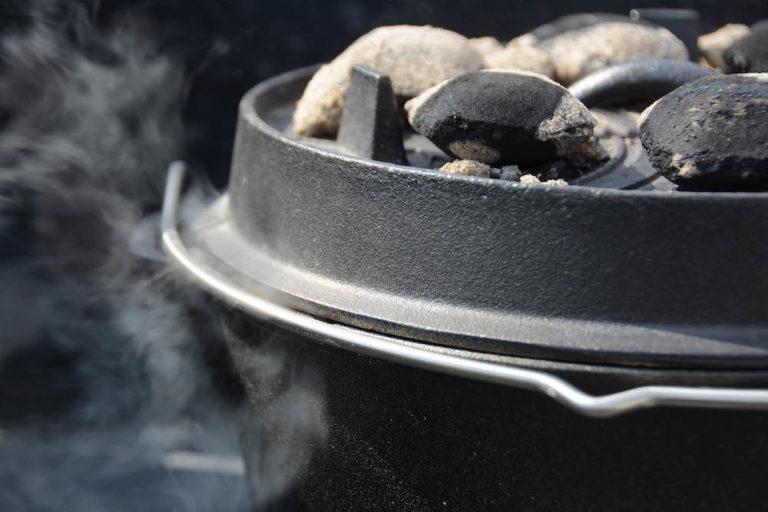 Pulled Pork im Dutch Oven schmoren lassen