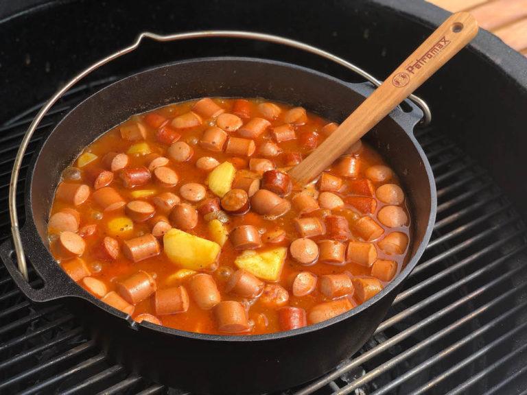 Kartoffelgulasch aus dem Dutch Oven - kartoffelgulasch dutch oven 02 1 - 23
