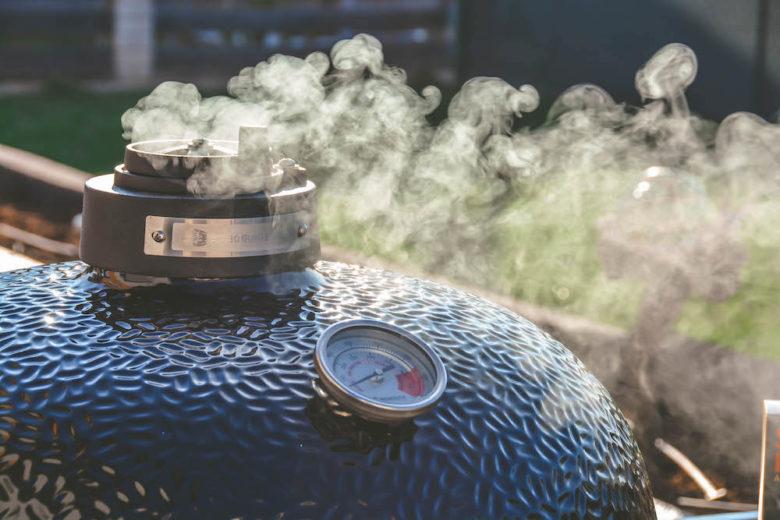 Smoken mit dem Monolith LeChef Keramikgrill