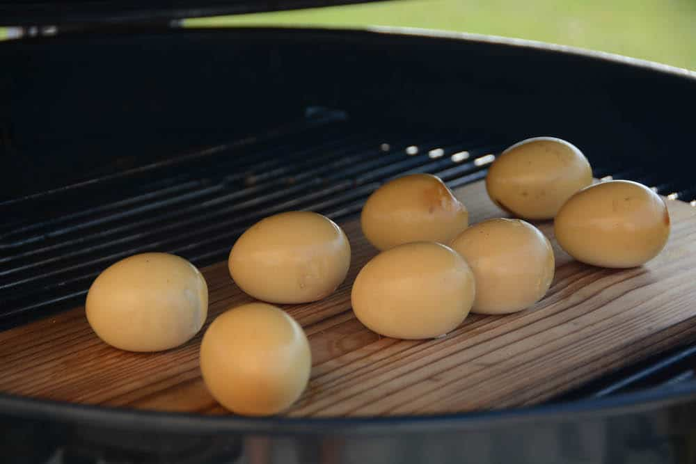 """Perfekte geräucherte Eier vom Grill - """"Smoked deviled eggs"""" / Teufelseier"""