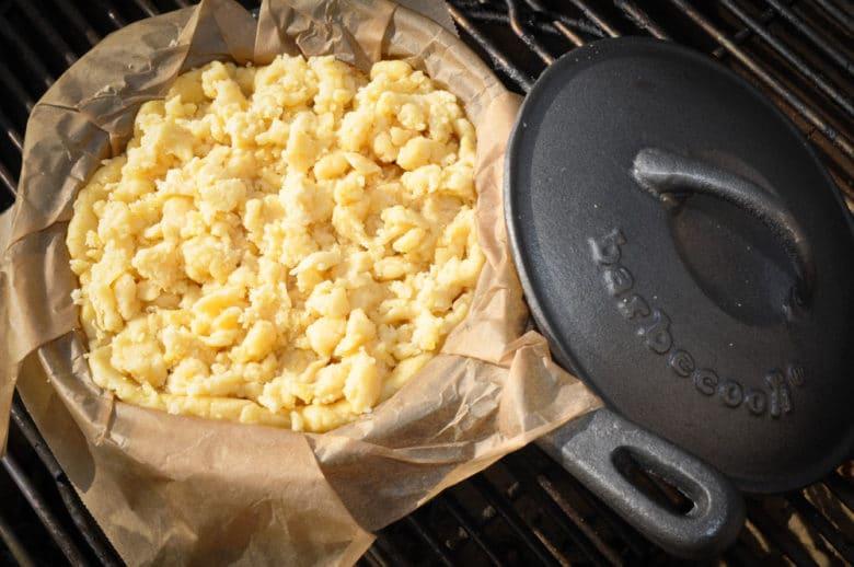 Apfelkuchen aus dem Feuertopf