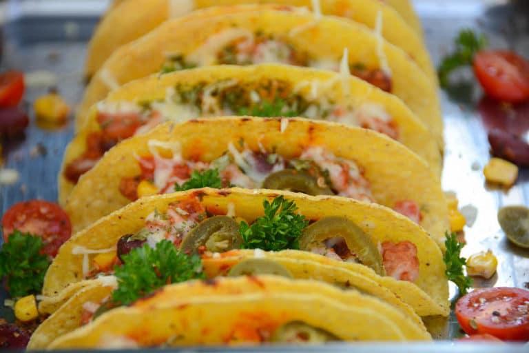 Tacos mit Chili con Carne servierfertig!