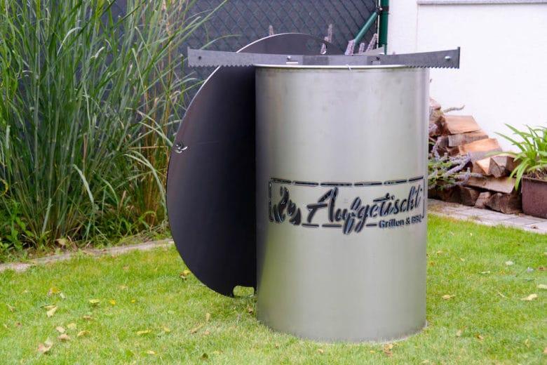 Feuertonne mit persönlichem Logo , Auflageeisen und Feuerplatte