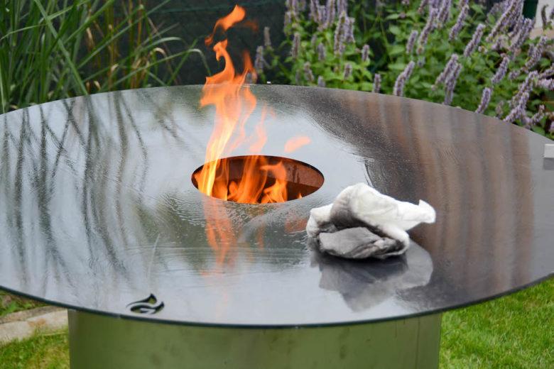 Das Einbrennen der Feuerplatte