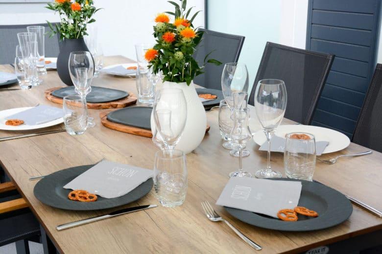 Manufacture Rock Kollektion - Speiseteller & Vasen in weiß & schwarz kombiniert