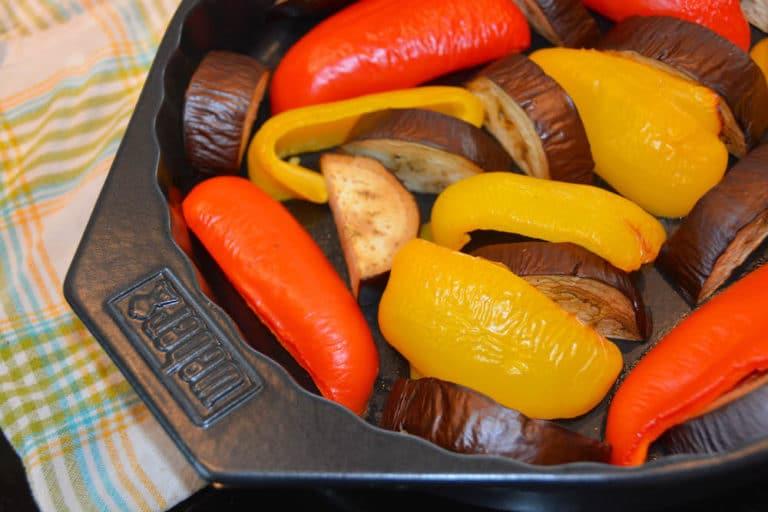 Paprika und Aubergine für die Ajvar Zubereitung